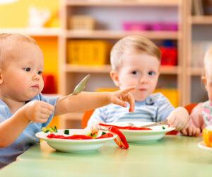Kindergarten St. Blasius, Altusried - Kinder beim Essen